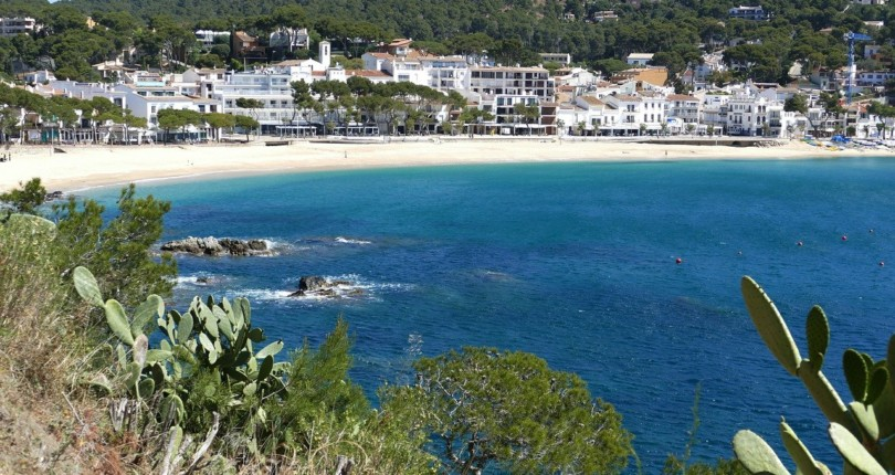Discover stunning villages for fishing near Barcelona